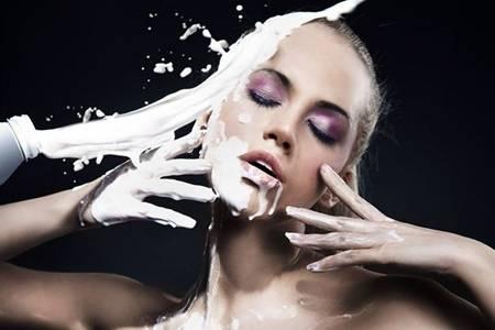 用牛奶洗脸效果怎么样  牛奶洗脸真的可以祛斑美白吗