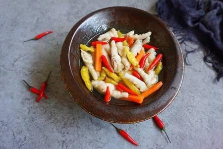 泡椒凤爪的做法是什么  这样做泡椒凤爪最正宗味道也最好