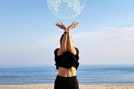 为什么要练瑜伽有什么好处和作用  女人瑜伽练得好造型随便凹