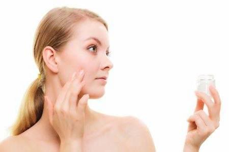 皮肤过敏的原因  五个小妙招教你轻松搞定皮肤过敏