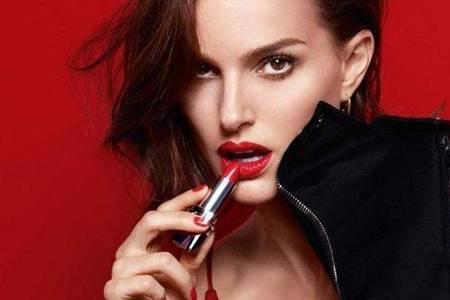 迪奥是哪个国家的品牌属于什么档次  Dior化妆产品效果怎样好用吗
