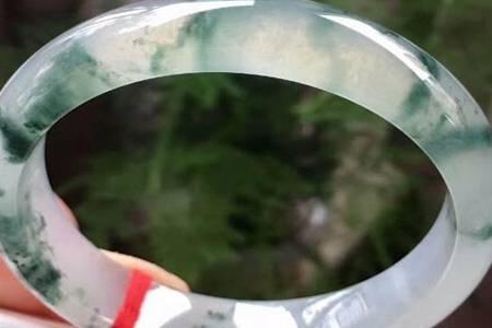 糯化和糯冰的区别  翡翠糯化到糯冰是什么档次