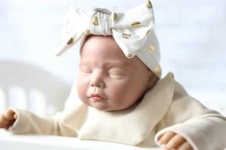 宝宝眼睛会随年龄变大吗  辣妈如何才能拥有一个高颜值的宝宝