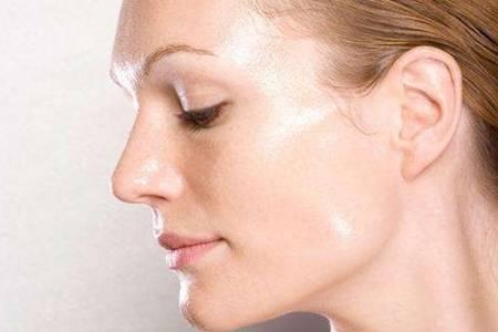 油性皮肤用隔离还是妆前乳  油性皮肤适合用什么牌子的护肤品