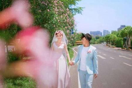 旅游结婚是什么意思  新人旅行结婚怎么收份子钱还要摆酒席吗