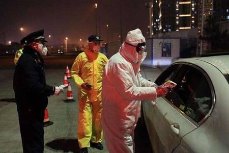 青岛疫情防控最新情况怎样 青岛市民连夜排队接受核酸检测