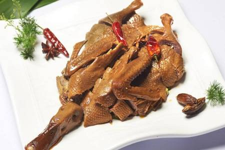卤水老鸭制作方法是什么  卤水老鸭的做法和配方窍门大全