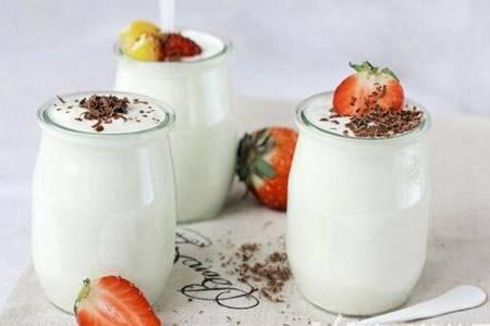 酸奶什么时候喝最好 隔夜酸奶真的不能喝吗