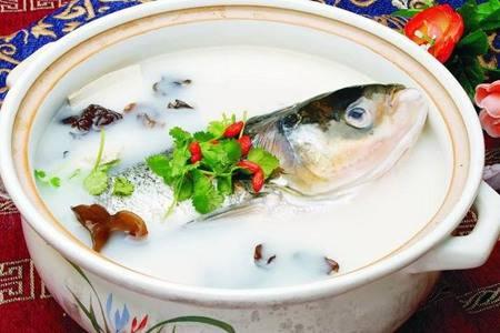 鱼头豆腐汤的最正宗做法是什么 这样做鱼头豆腐汤浓郁鲜美
