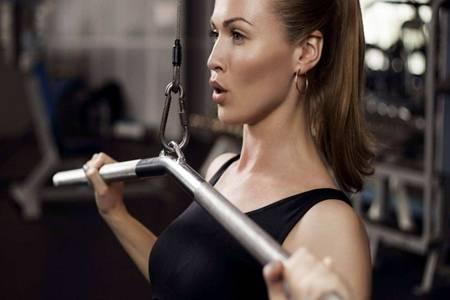 有什么办法能练出腹肌  女性长期健身后喝蛋白粉对身体有害吗