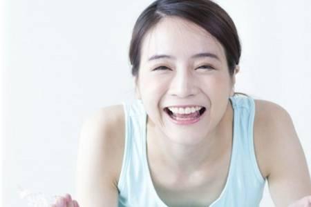 白糖水洗脸的功效与作用都有哪些  白糖洗脸的正确使用方法推荐