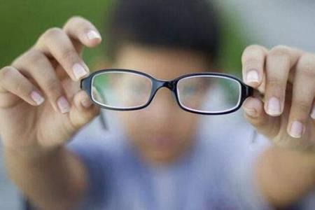 弱视和近视的区别  什么是弱视该如何治疗