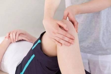 膝盖疼走路困难怎么办  常吃这种蔬菜让你健步如飞