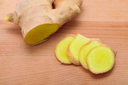 生姜的功效与作用有哪些 生姜在生活中的用途好处