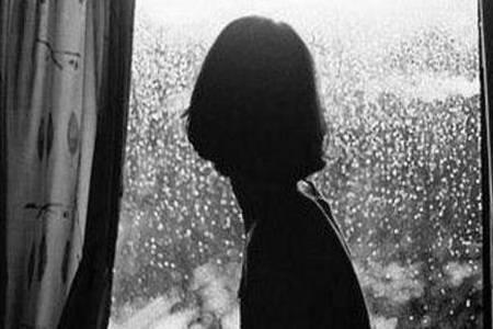 抑郁症是什么原因引起的  女性患上抑郁症怎么办如何治疗