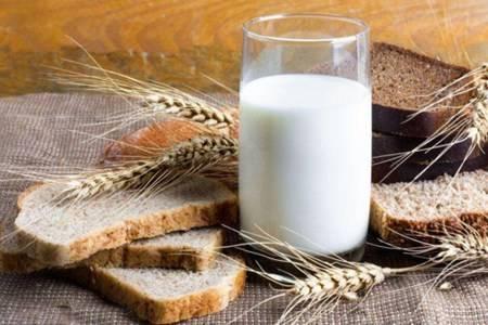 冬天养生喝牛奶 牛奶的功效和作用有哪些