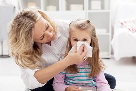 怎样区分普通感冒和新冠肺炎?从这三点就可以确定是新冠还是感冒