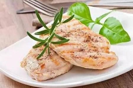 鸡胸肉怎么做好吃 深扒鸡胸肉家常做法大全