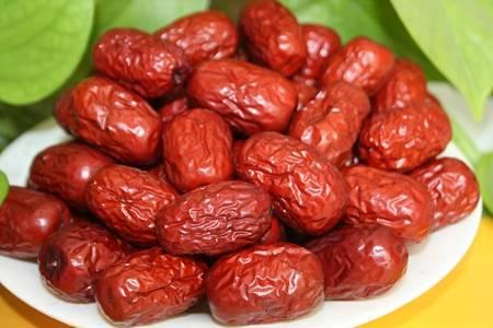 红枣的功效与作用有哪些?女人多吃红枣的三大好处