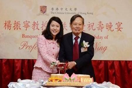 翁帆为97岁杨振宁产下一子 翁帆和老男人杨振宁结婚图什么