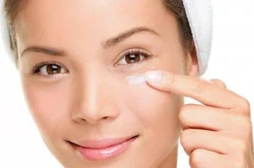 脂肪粒是因为什么长出来的 在眼睛旁边的脂肪粒怎么消除?