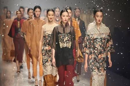 香云纱有哪几种面料 桑蚕丝绸缎香云纱哪种真丝面料最好