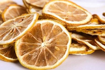 新鲜柠檬有美白效果吗 柠檬片变黑是什么原因还能吃不
