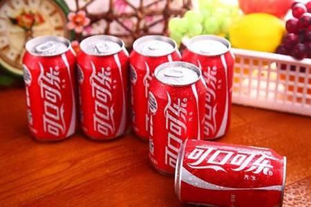 可乐有什么危害 常喝可乐排结石杀精吗