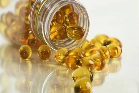 鱼肝油有什么功效与作用 鱼肝油可以直接吞服吗