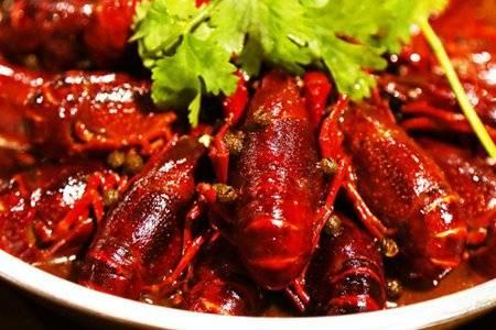 小龙虾吃到一半突然活了一只引热议 十三香麻辣小龙虾怎么做好吃