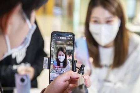 网红主播被郑州追征600多万税款 网友:网络主播这么赚钱吗
